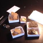 Bodegón de los elementos para la clasificación de los minerales
